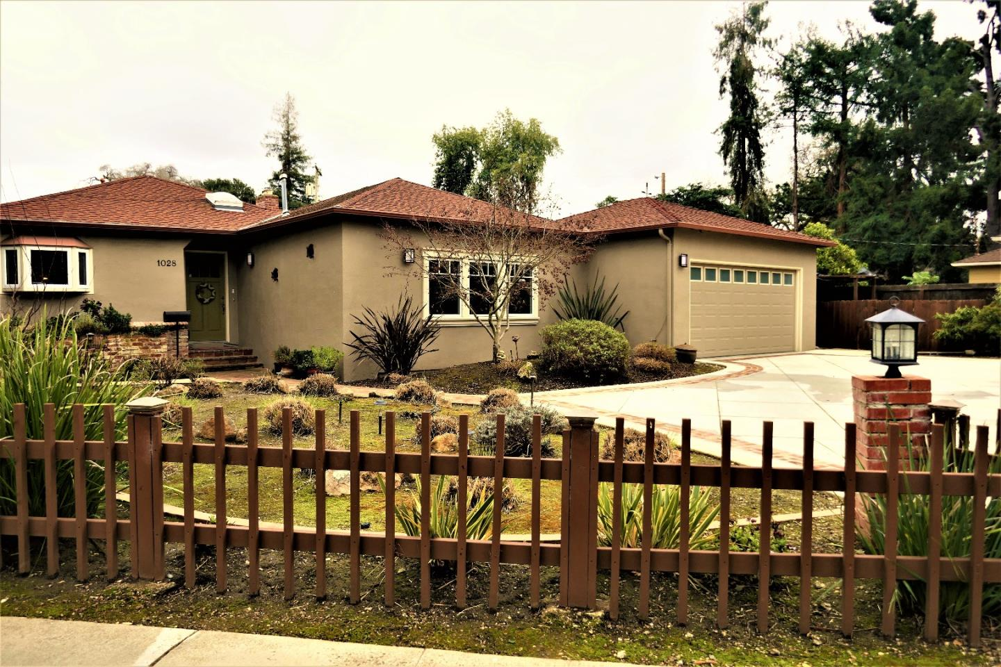 Additional photo for property listing at 1028 Ringwood Ave  MENLO PARK, CALIFORNIA 94025