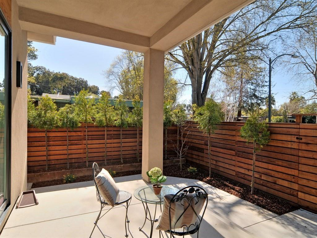 Additional photo for property listing at 2073 Edgewood Dr  PALO ALTO, CALIFORNIA 94303