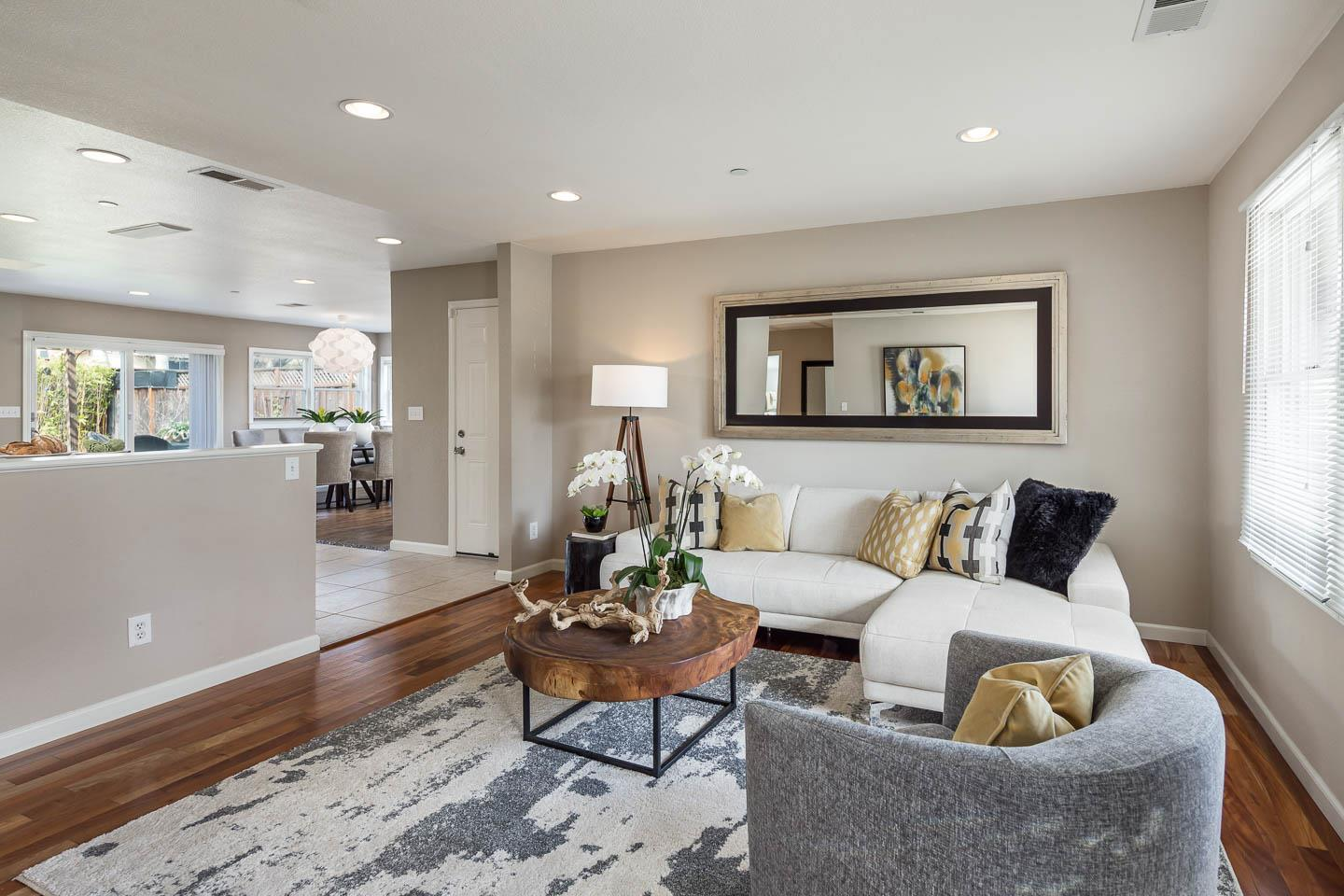 Additional photo for property listing at 363 Orchard Ave  SUNNYVALE, CALIFORNIA 94085