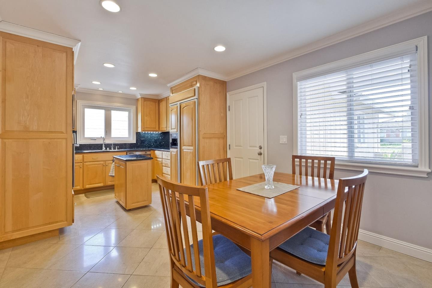 Additional photo for property listing at 20637 Craig Ct  CUPERTINO, CALIFORNIA 95014