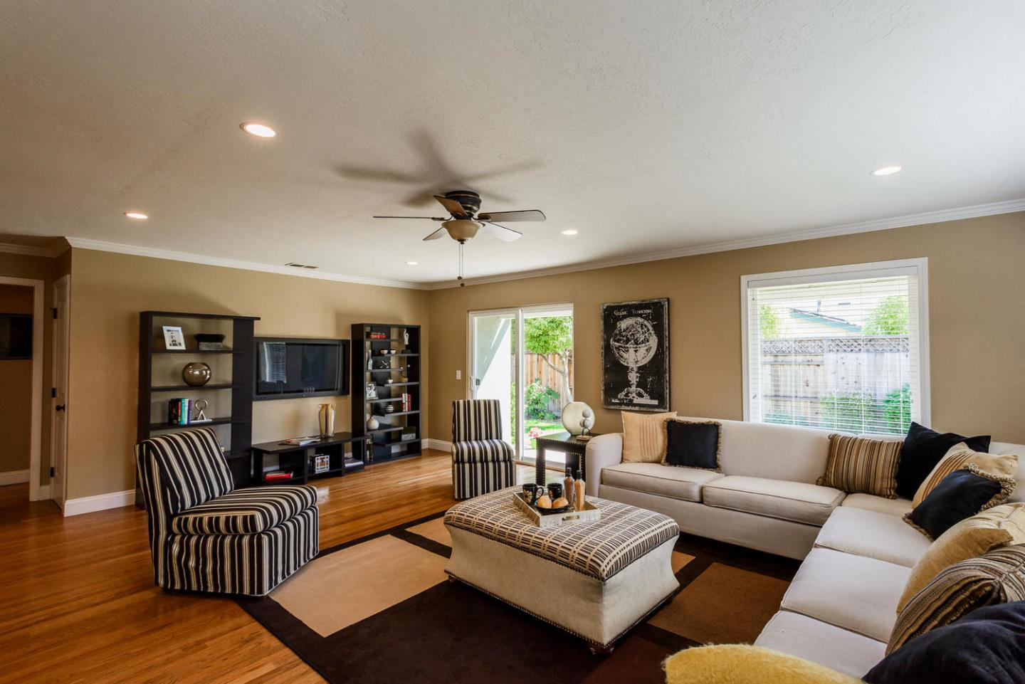 Additional photo for property listing at 2439 Goodwin Ave  REDWOOD CITY, CALIFORNIA 94061