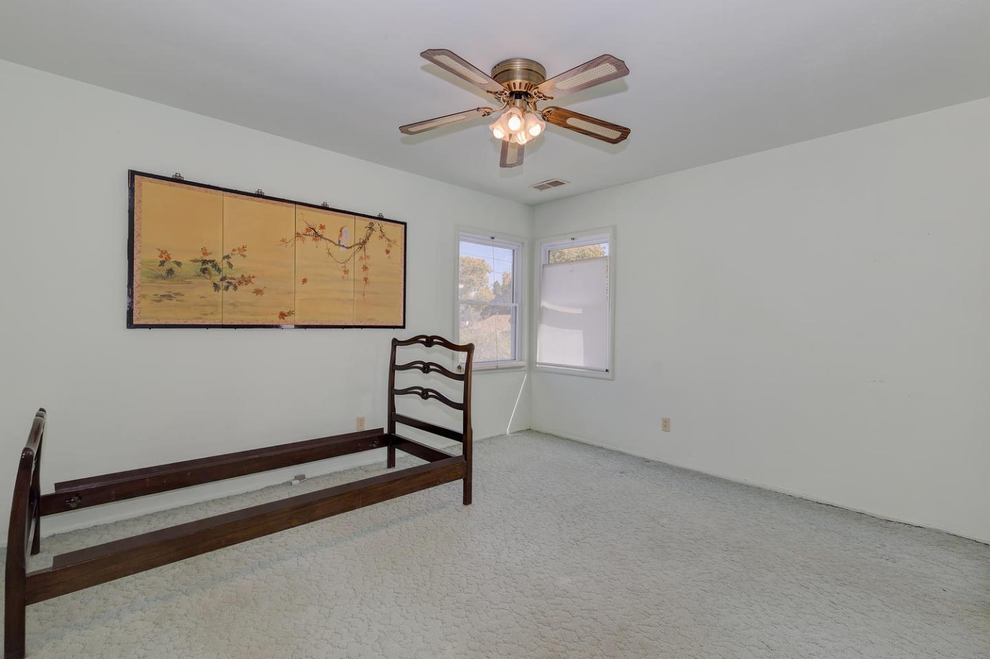 Additional photo for property listing at 1187 Crompton Rd  REDWOOD CITY, CALIFORNIA 94061