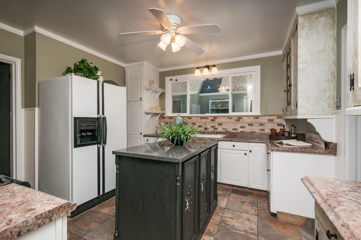 Additional photo for property listing at 258 Lowell St  REDWOOD CITY, CALIFORNIA 94062