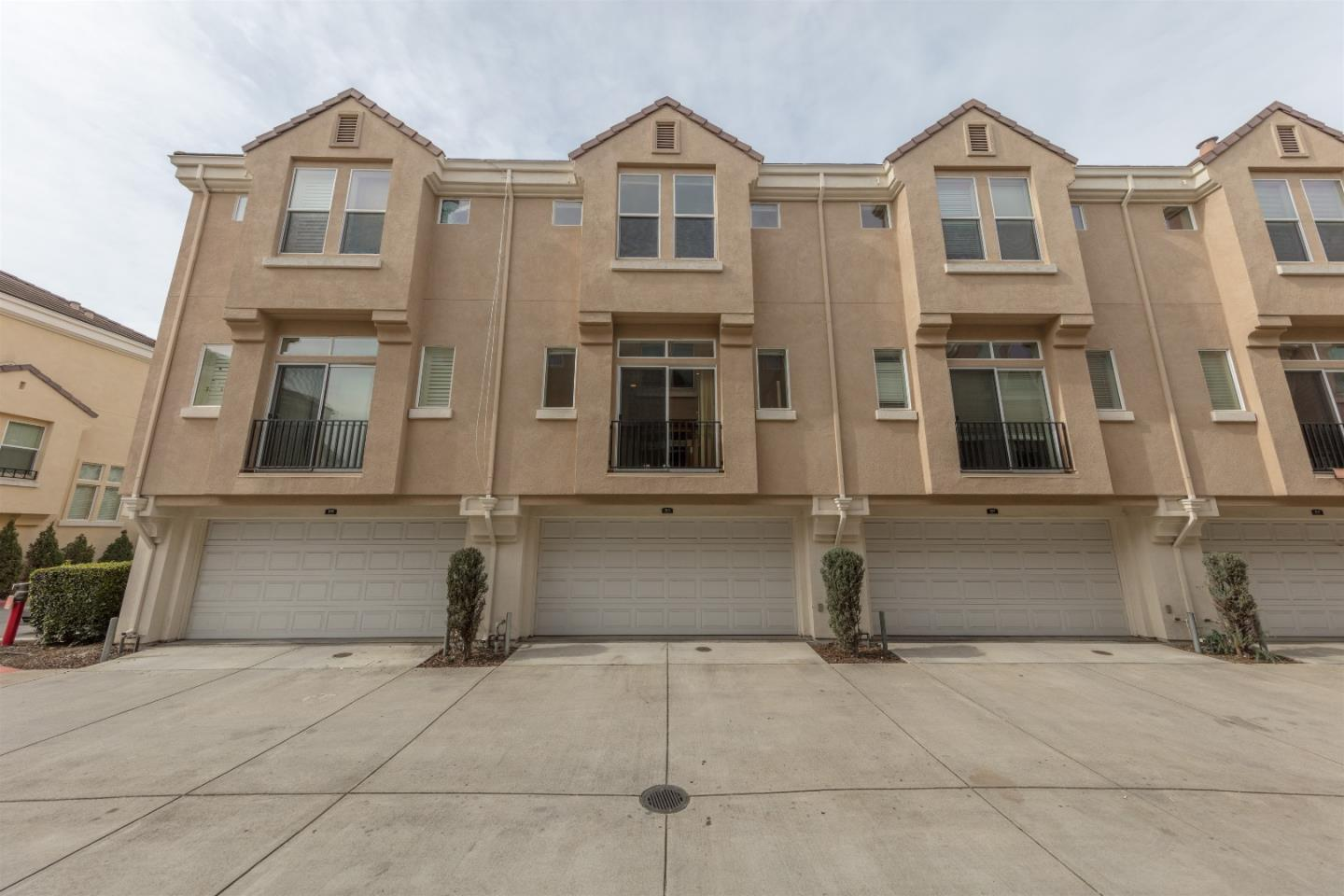 Additional photo for property listing at 162 Oberg Ct  MOUNTAIN VIEW, CALIFORNIA 94043