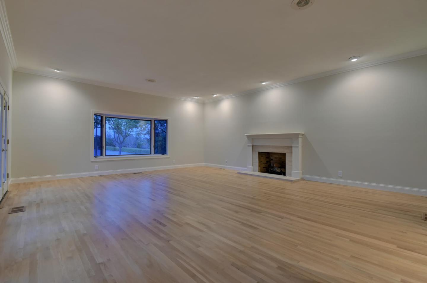Additional photo for property listing at 17920 Daves Ave  MONTE SERENO, CALIFORNIA 95030