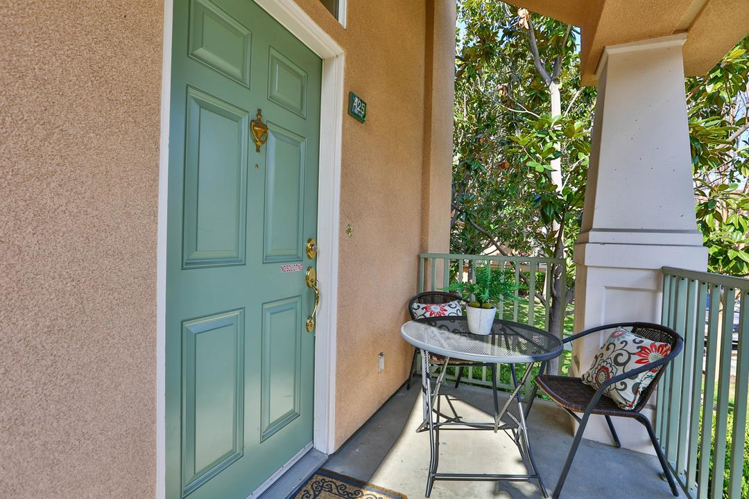 Additional photo for property listing at 425 Kent Dr  MOUNTAIN VIEW, CALIFORNIA 94043