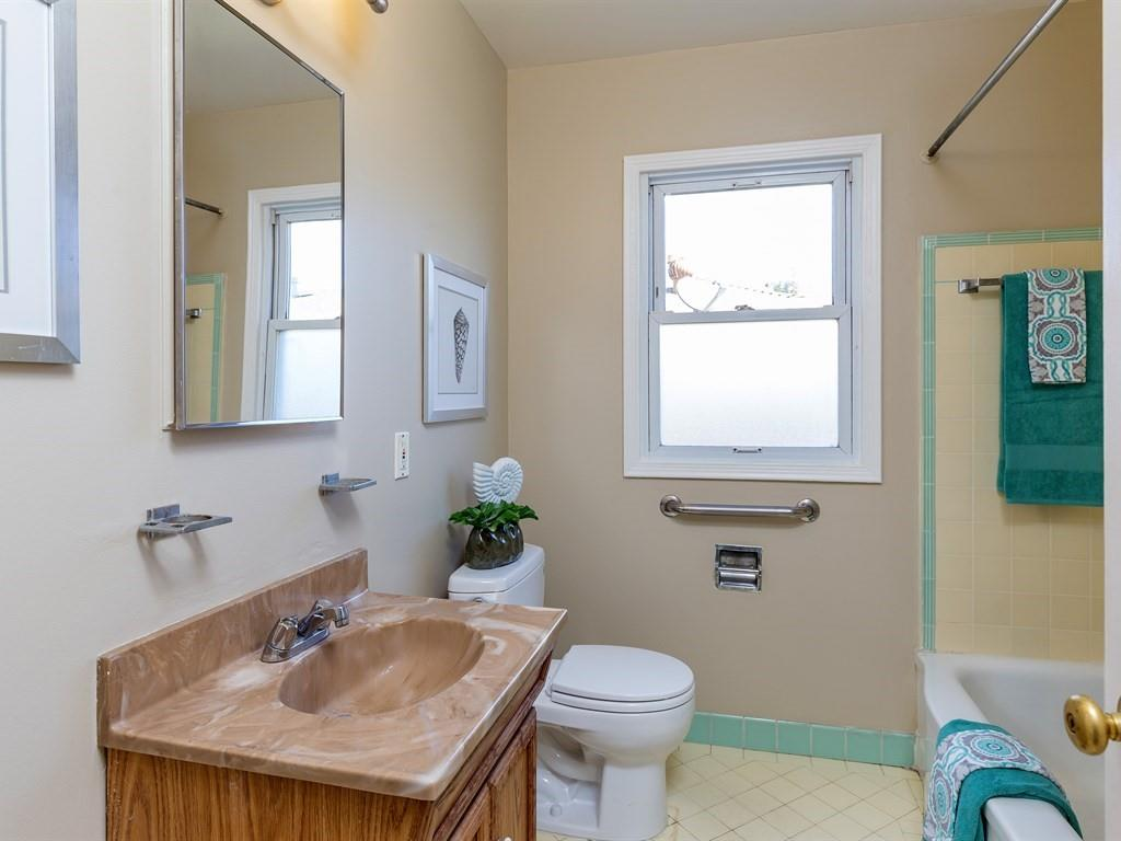 Additional photo for property listing at 156 Monroe Dr  PALO ALTO, CALIFORNIA 94306