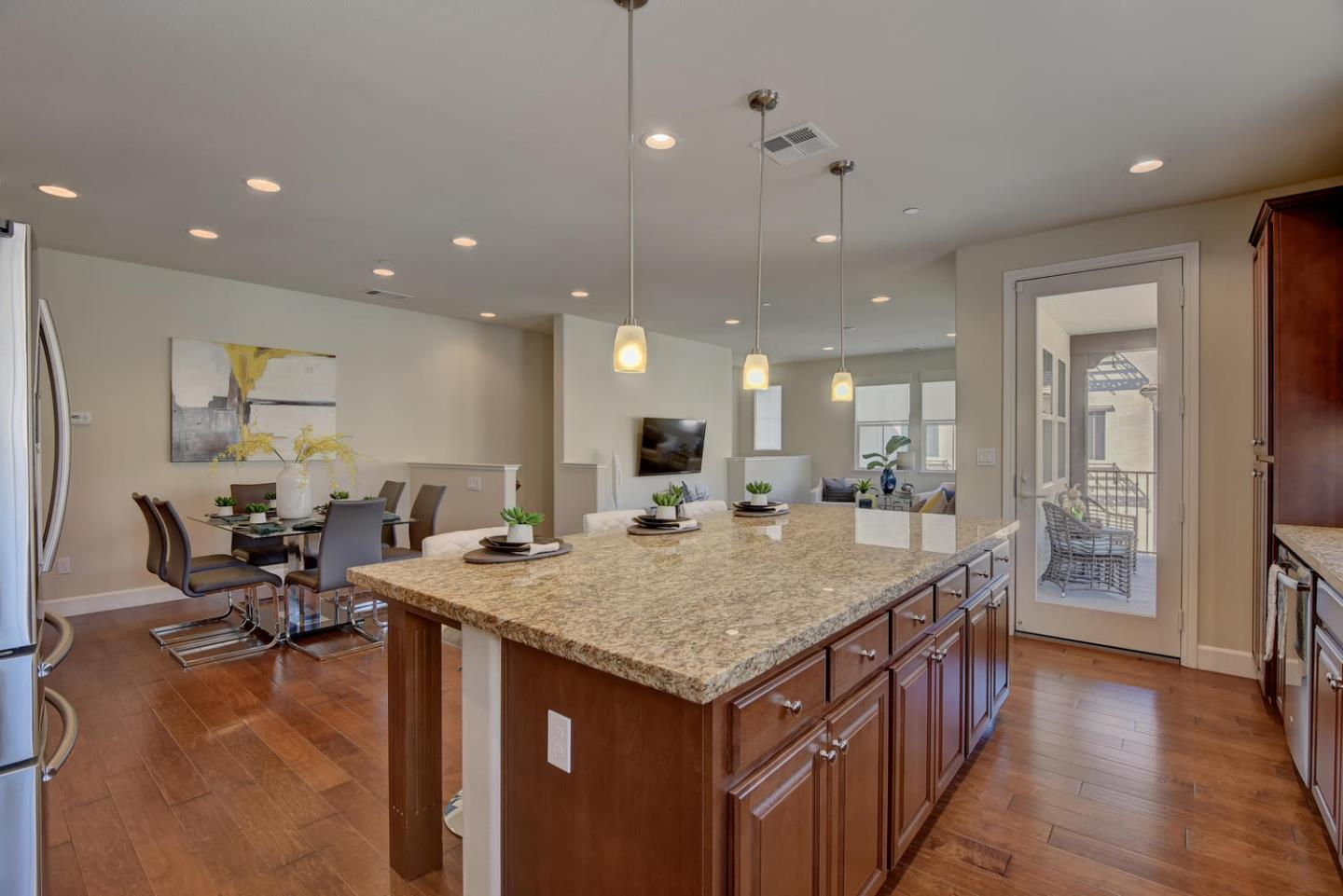 Additional photo for property listing at 548 Crown Point Ter  SUNNYVALE, CALIFORNIA 94087