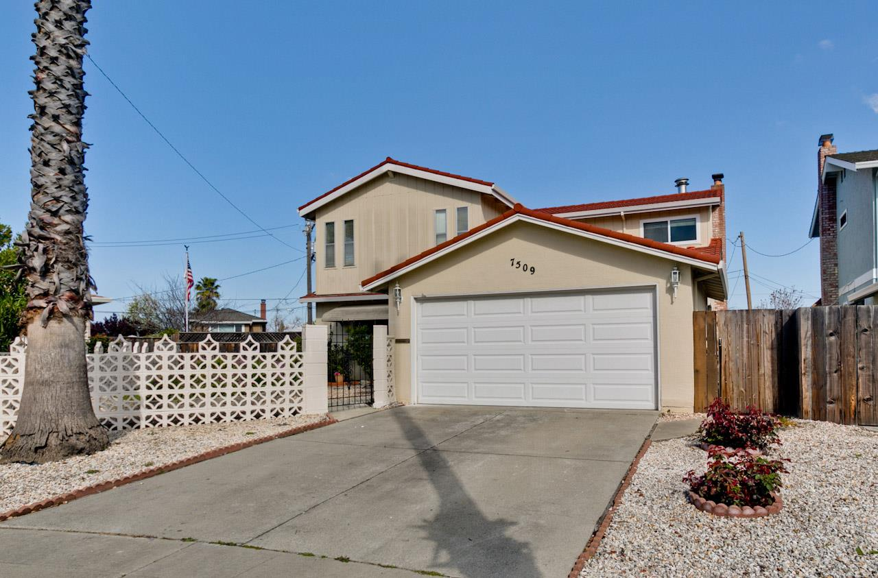 Additional photo for property listing at 7509 Kingsbury Ct  CUPERTINO, CALIFORNIA 95014