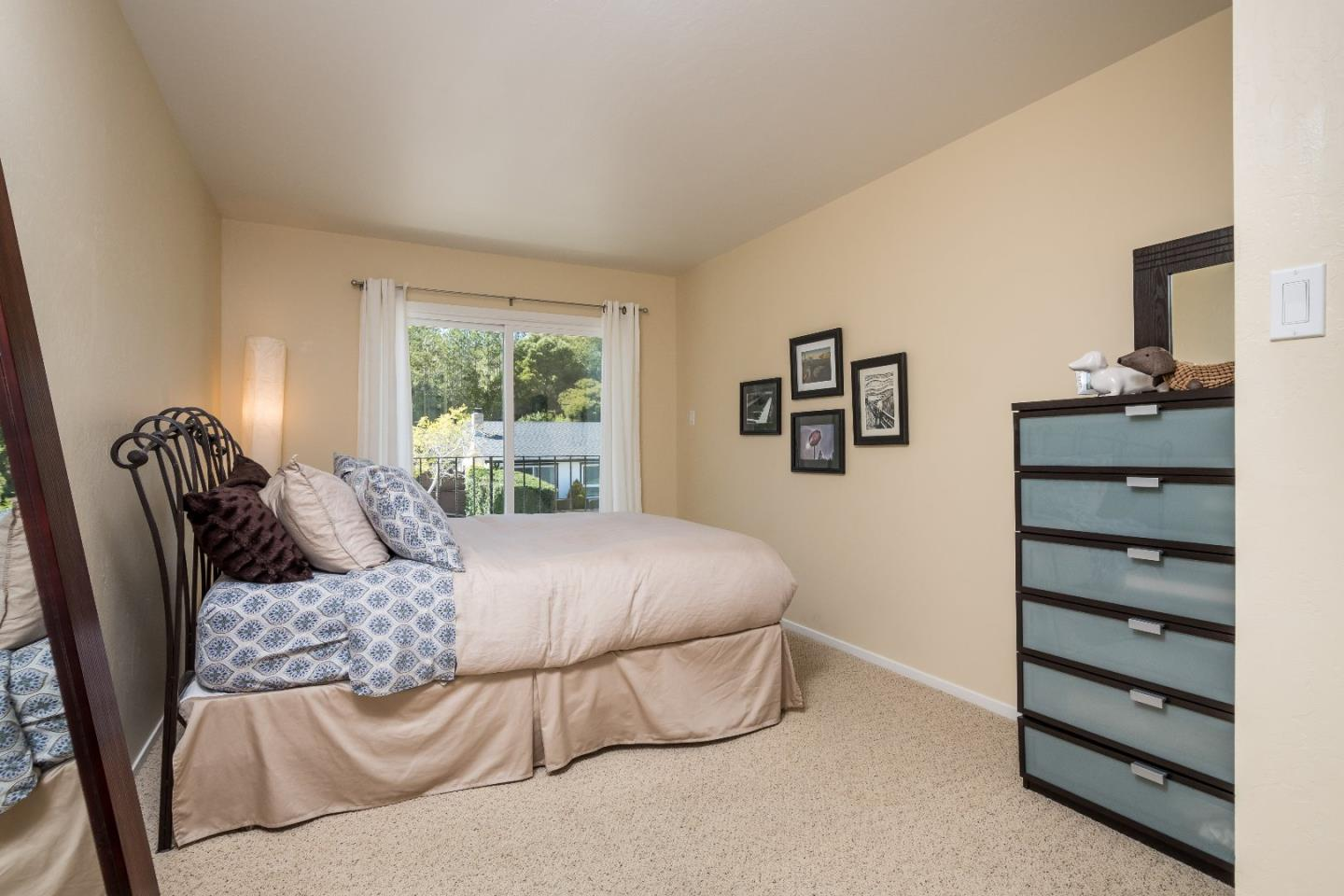 Additional photo for property listing at 1655 Oakwood Dr  SAN MATEO, CALIFORNIA 94403