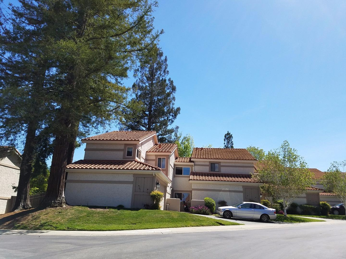 Additional photo for property listing at 108 Calle Nivel  LOS GATOS, CALIFORNIA 95032