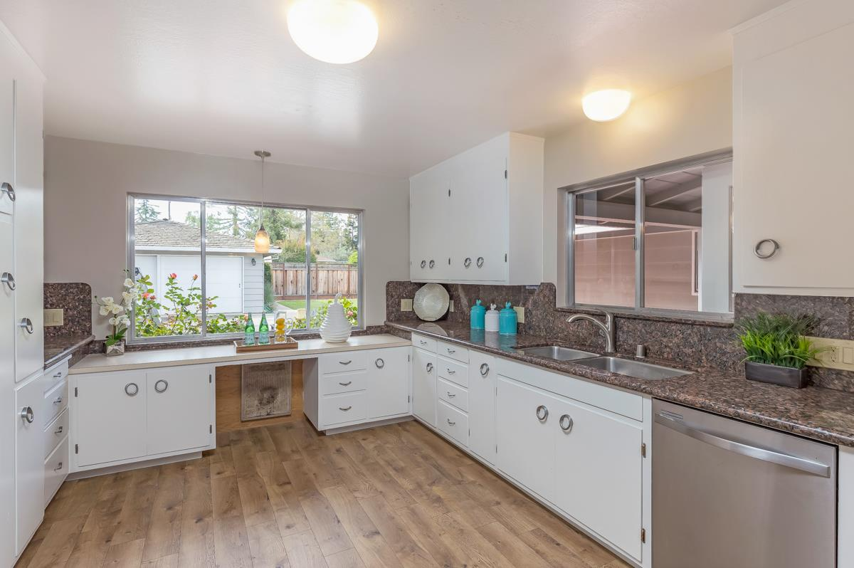 Additional photo for property listing at 660 Giralda Dr  LOS ALTOS, CALIFORNIA 94024