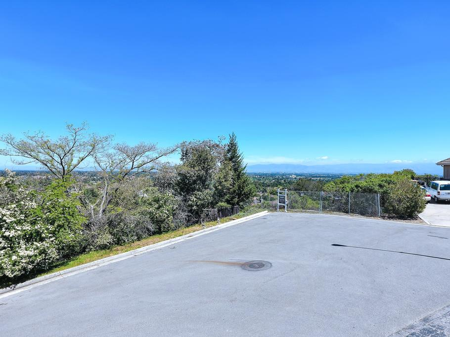 Additional photo for property listing at 21650 Rainbow Ct  CUPERTINO, CALIFORNIA 95014