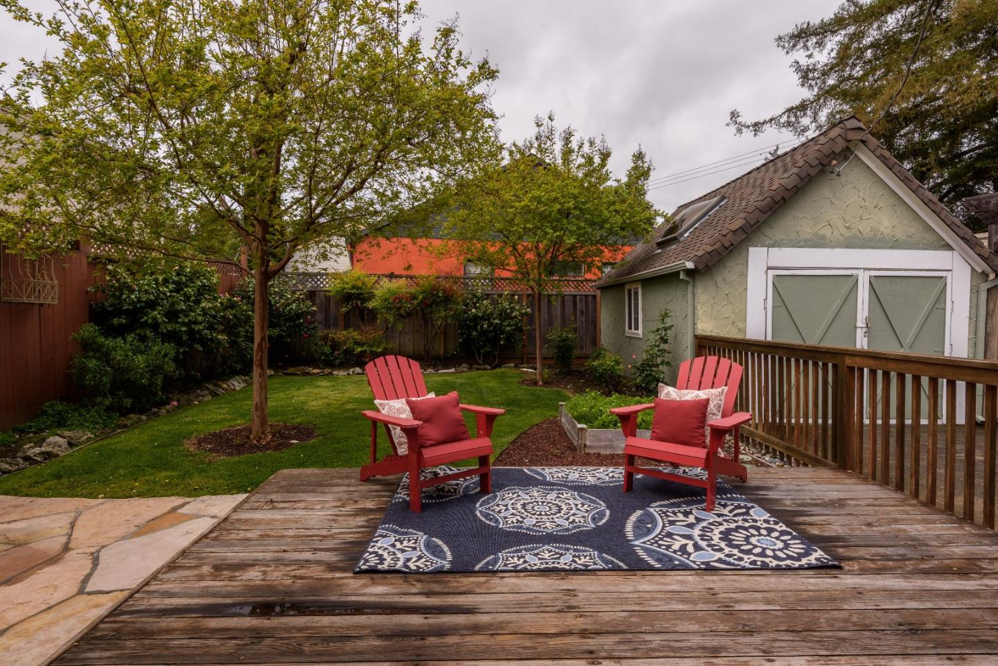 Additional photo for property listing at 212 Hillview Ave  REDWOOD CITY, CALIFORNIA 94062