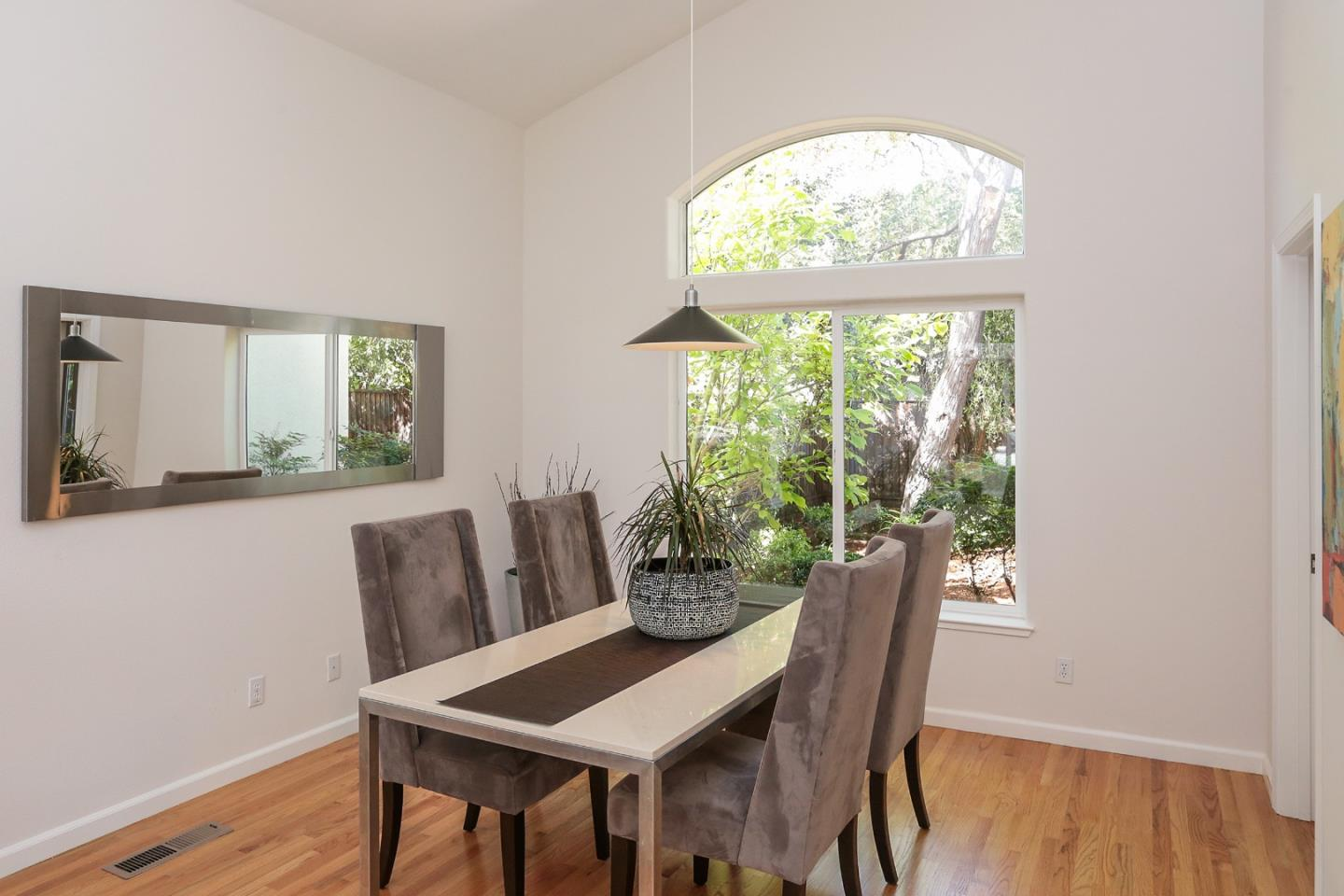 Additional photo for property listing at 3427 Ross Rd  PALO ALTO, CALIFORNIA 94303