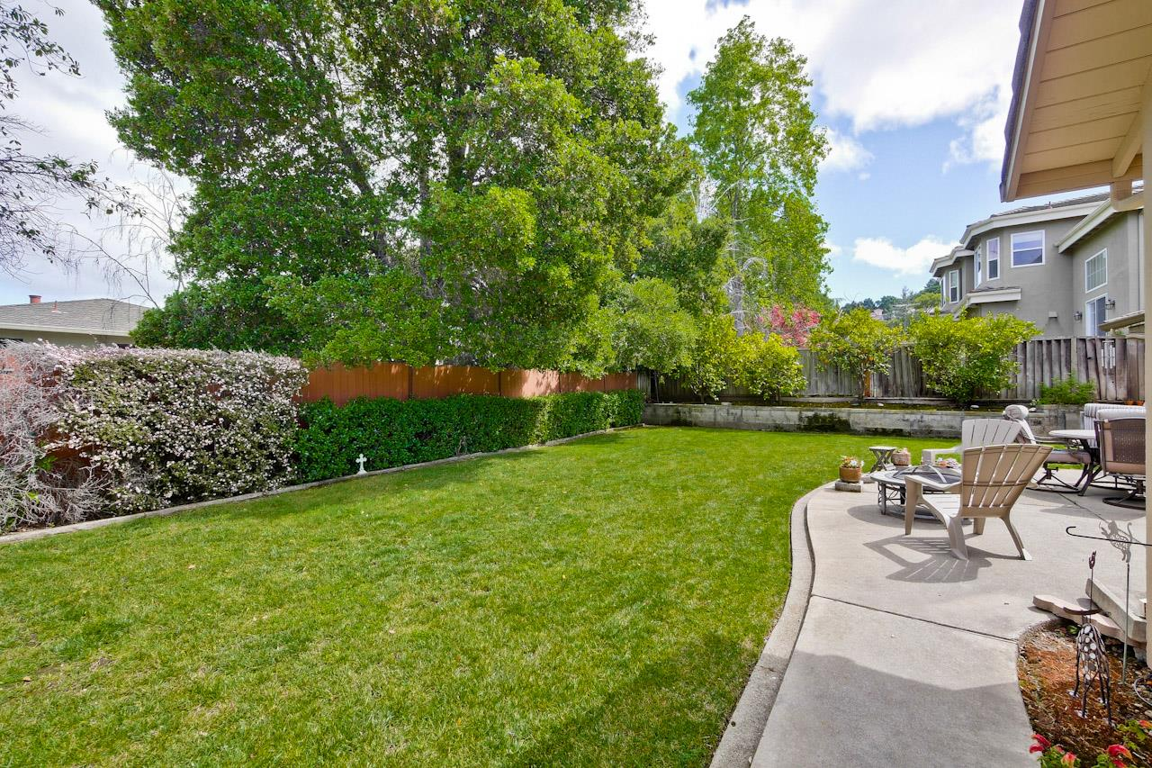 Additional photo for property listing at 11066 Linda Vista Dr  CUPERTINO, CALIFORNIA 95014