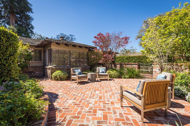 Additional photo for property listing at 1570 Dana  PALO ALTO, CALIFORNIA 94303