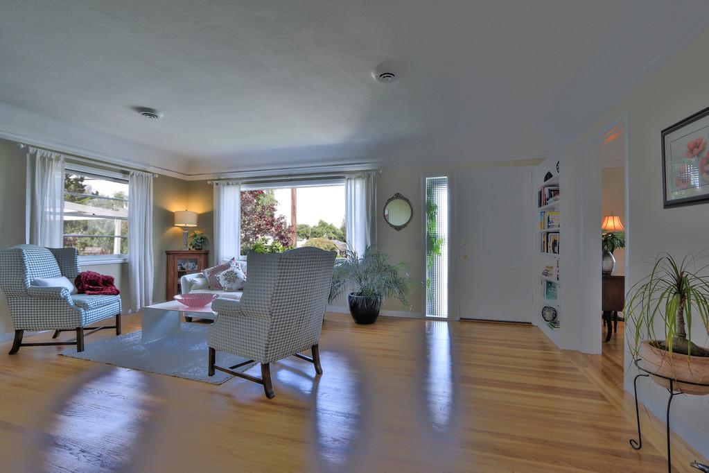 Additional photo for property listing at 56 Alameda De Las Pulgas  REDWOOD CITY, CALIFORNIA 94062