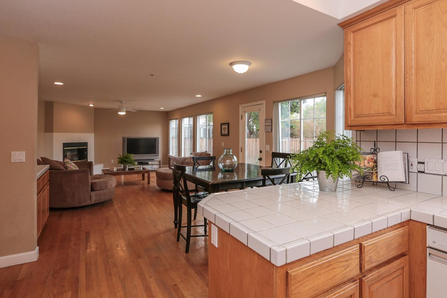 Additional photo for property listing at 835 English Walnut Way  MORGAN HILL, CALIFORNIA 95037