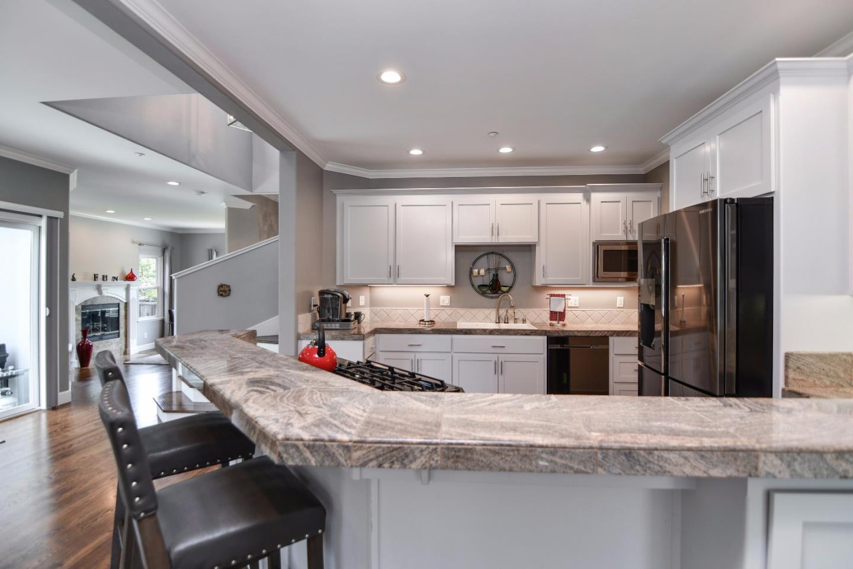 Additional photo for property listing at 290 Pinewood St  SANTA CRUZ, CALIFORNIA 95062