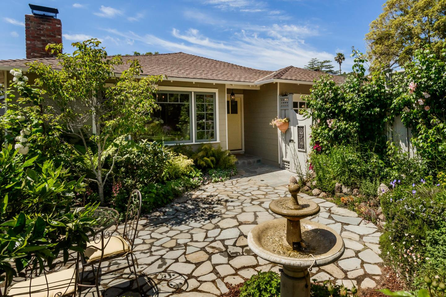 Additional photo for property listing at 2410 Cipriani Blvd  BELMONT, CALIFORNIA 94002