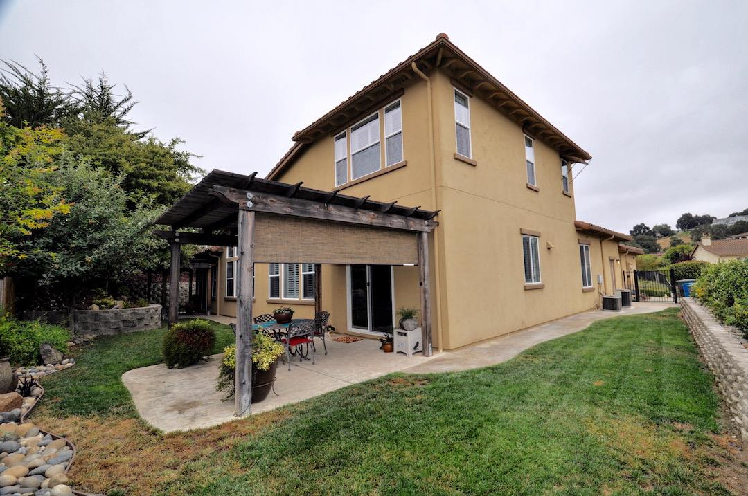 Additional photo for property listing at 8941 Azara St  GILROY, CALIFORNIA 95020