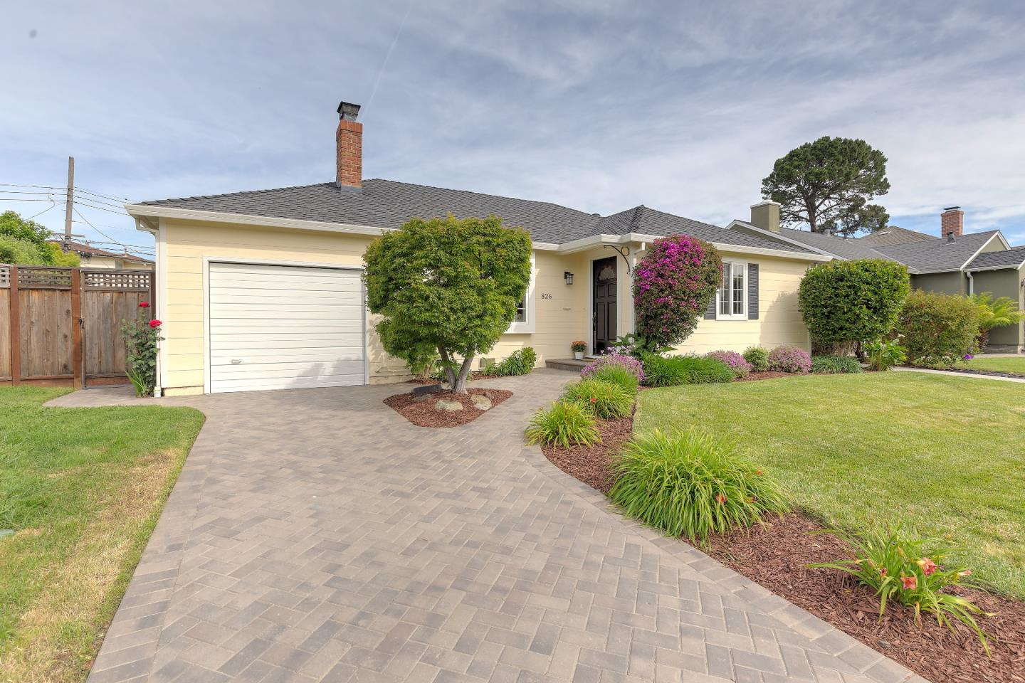 Additional photo for property listing at 826 W Grant Pl  SAN MATEO, CALIFORNIA 94402