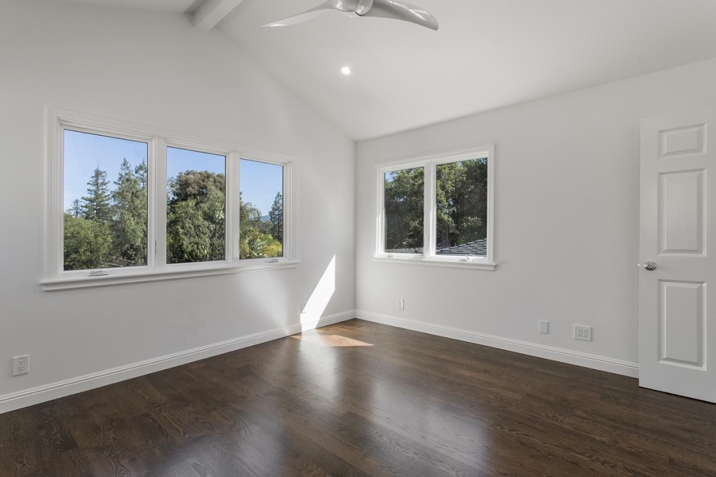 Additional photo for property listing at 2332 Eastridge Ave  MENLO PARK, CALIFORNIA 94025