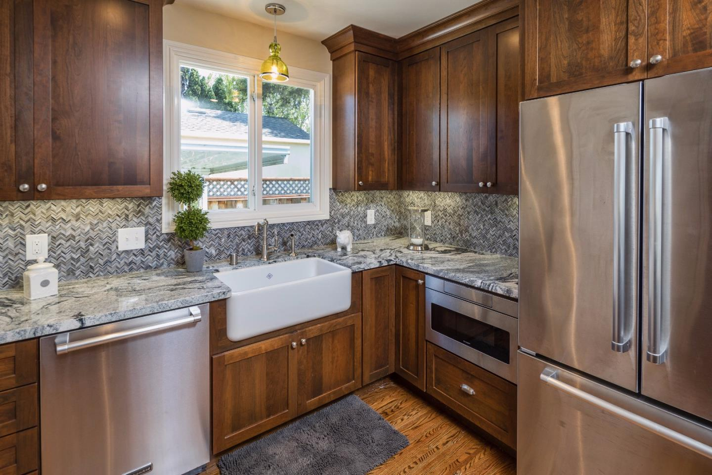 Additional photo for property listing at 917 Linden Ave  BURLINGAME, CALIFORNIA 94010