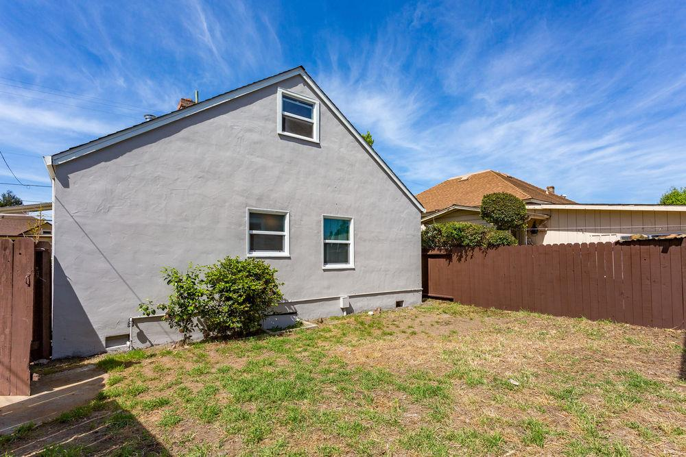 Additional photo for property listing at 114 Sudden St A  WATSONVILLE, CALIFORNIA 95076