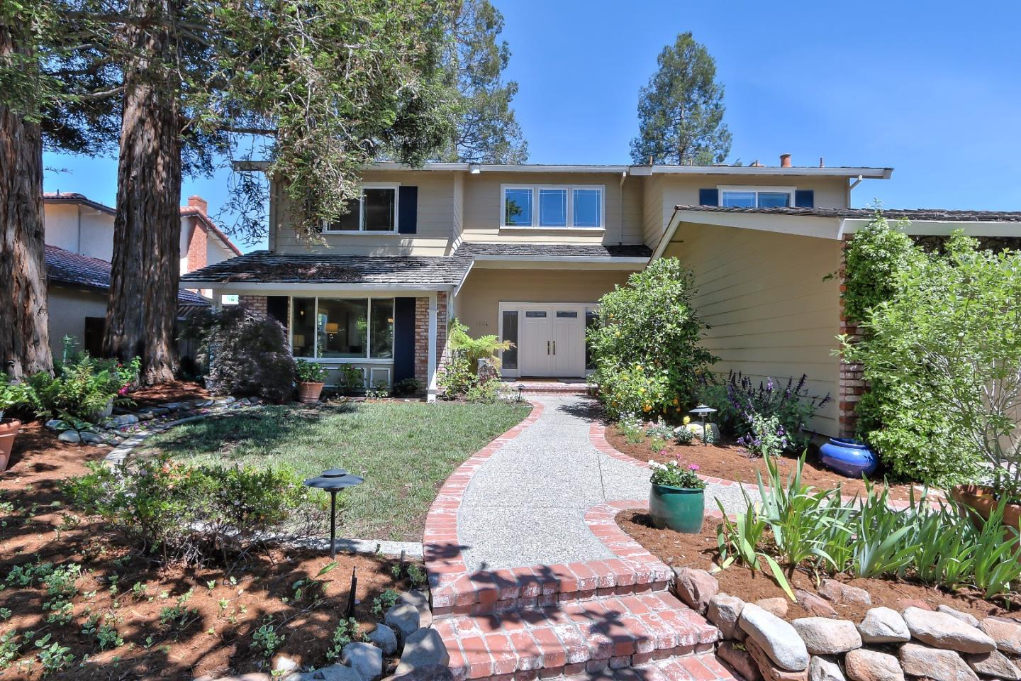 Additional photo for property listing at 1204 Lubich Dr  MOUNTAIN VIEW, CALIFORNIA 94040