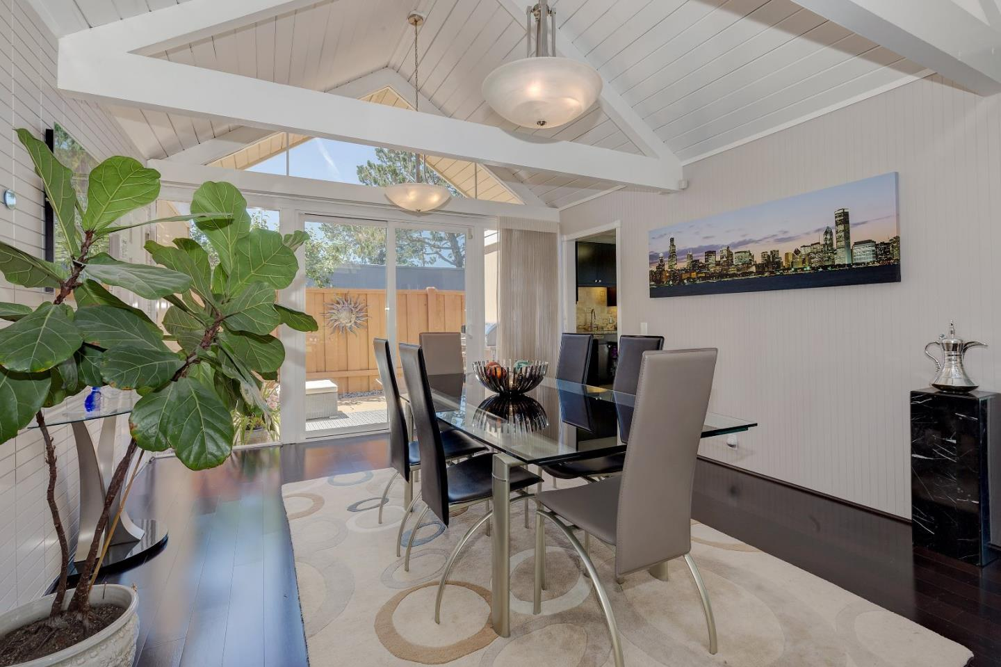 Additional photo for property listing at 837 Constitution Dr  FOSTER CITY, CALIFORNIA 94404