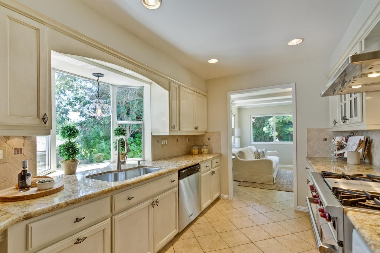 Additional photo for property listing at 504 Alameda De Las Pulgas  BELMONT, CALIFORNIA 94002