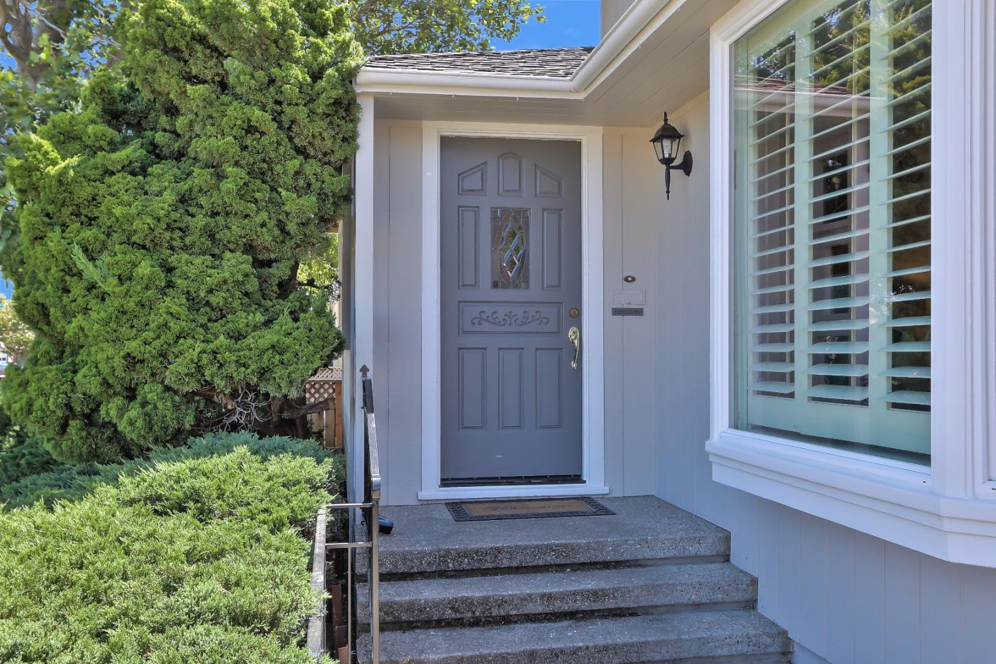 Additional photo for property listing at 1122 Hawthorne Dr  SAN MATEO, CALIFORNIA 94402