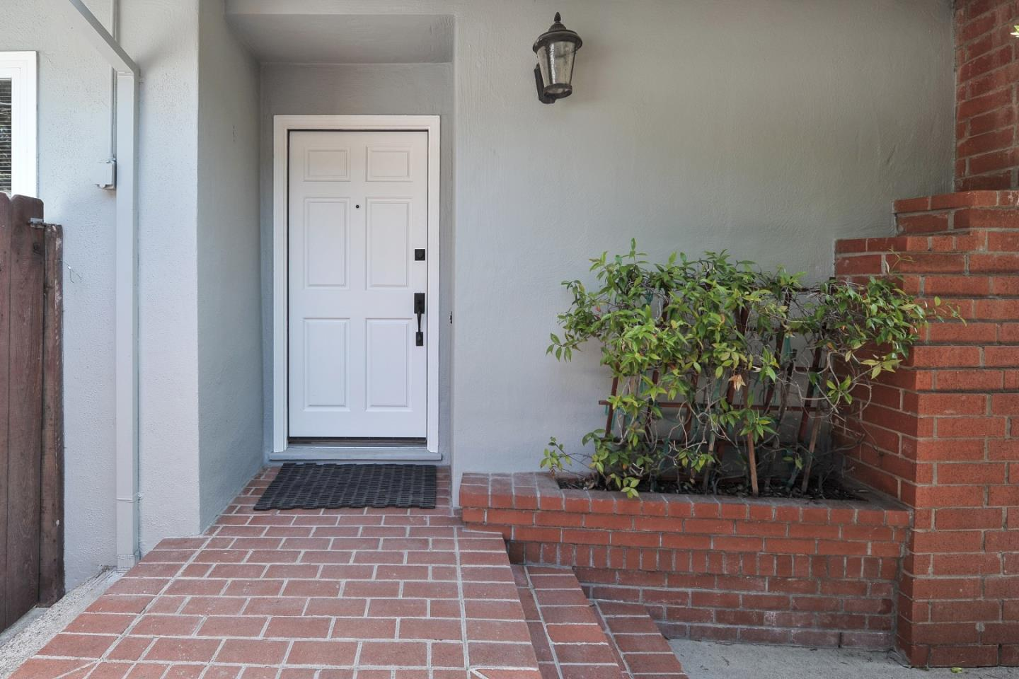 Additional photo for property listing at 150 Crosby Ct  SAN BRUNO, CALIFORNIA 94066
