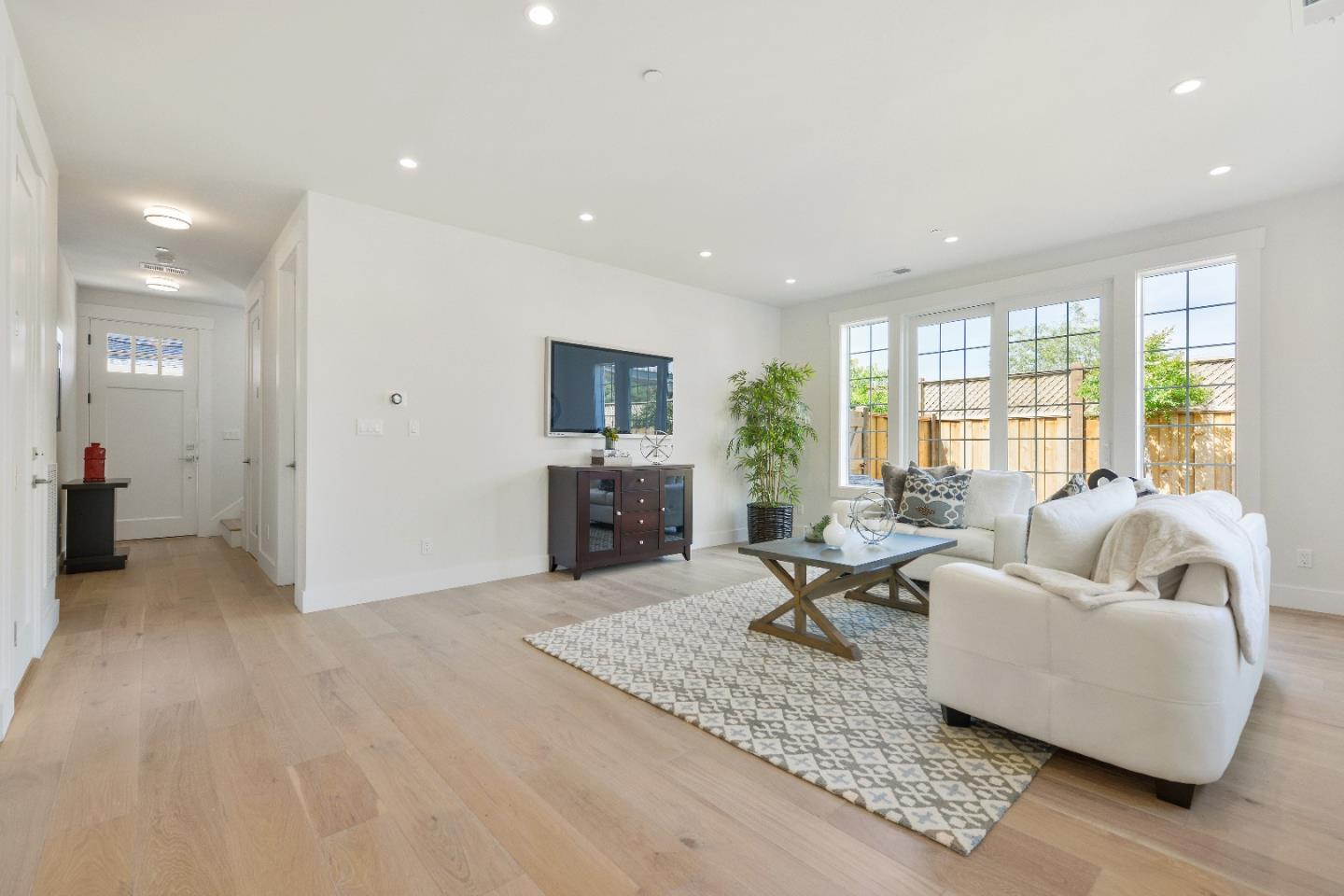 Additional photo for property listing at 1815 Gum St  SAN MATEO, CALIFORNIA 94401