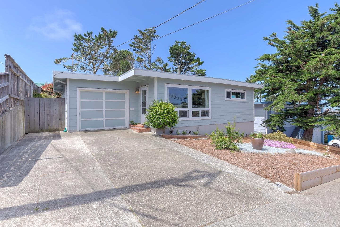 464 Manor Dr Pacifica Ca 94044 Mls 81656224 Coldwell