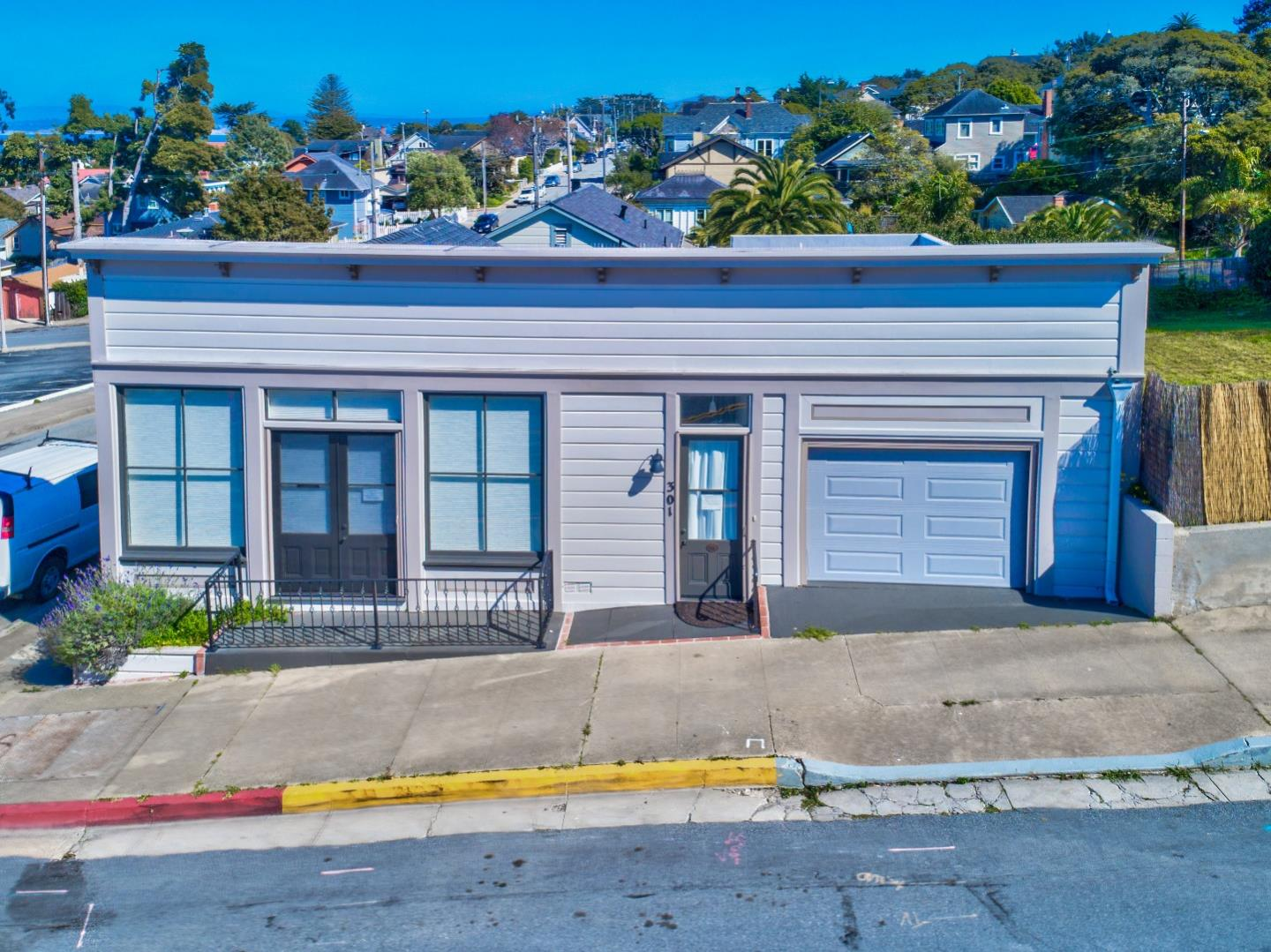 301 Fountain Ave, Pacific Grove, CA 93950 - MLS 81698925 - Coldwell ...