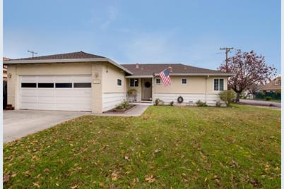 1229 Redcliff Dr - Photo 1
