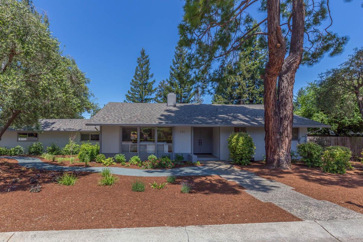 121 Yerba Santa Ave Los Altos Ca 94022 Mls 81749896 Coldwell Banker