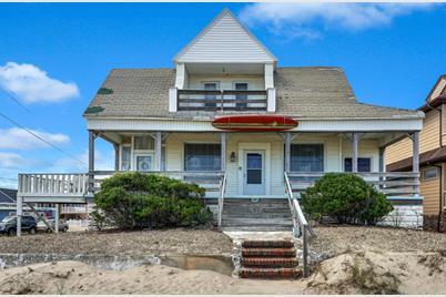 301 Ocean Avenue N - Photo 1