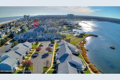 100 Seaview Avenue #1-8A - Photo 1