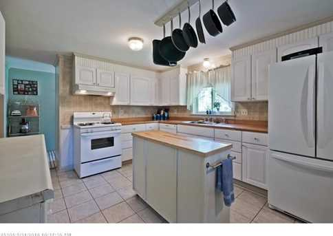 896 Rockland Rd - Photo 9