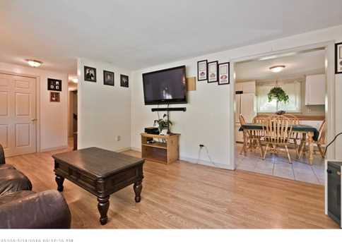 896 Rockland Rd - Photo 7