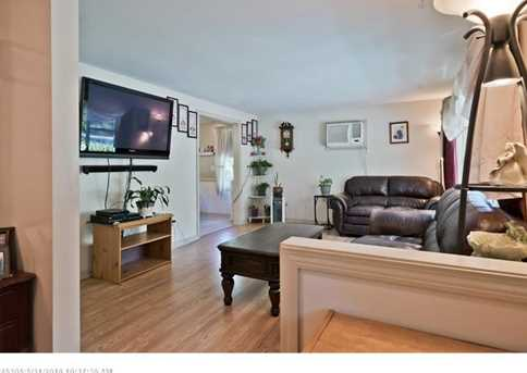 896 Rockland Rd - Photo 5
