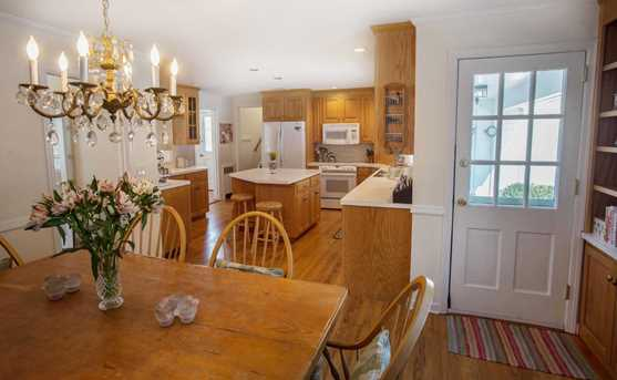 156 Colonial Rd - Photo 3