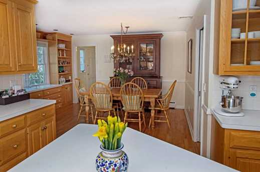 156 Colonial Rd - Photo 5