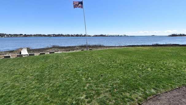 70 Shorefront Park Park - Photo 3