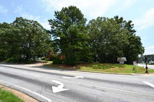 4468 Covington Highway - Photo 3