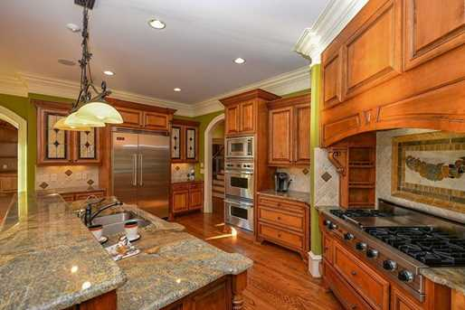 6756 Hedge Row Lane - Photo 5